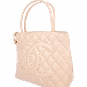 3fc713c7be98 Women Chanel Medallion Tote Bag on Poshmark